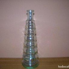 Botellas antiguas: ORIGINAL BOTELLA DE CRISTAL PARA DECORACIÓN M: 22 CM DE ALTO. Lote 64709831