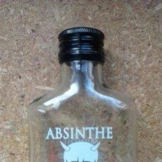 Botellas antiguas: BOTELLA DE ABSINTHE / ABSENTA. 89,9% ROUGE CALAVERA. . Lote 65690354