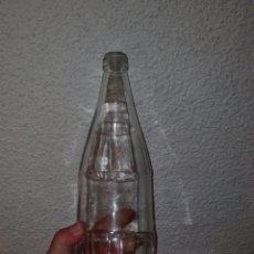 Botellas antiguas: BOTELLA COCA COLA 1 LITRO CRISTAL ANTIGUA. Lote 68517579