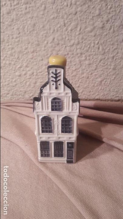 CASITA BOTELLA EN CERÁMICA DE DELFTS NUMERO 24 (Coleccionismo - Botellas y Bebidas - Botellas Antiguas)