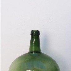 Botellas antiguas: BOTELLA GARRAFA DAMAJUANA OVALADA ANTIGUA DE 16 LITROS VIDRIERIA ESPAÑOLA BARCELONA PATENTE N° 92790. Lote 71079629