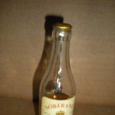 Botellas antiguas - botellita Soberano- Gonzalez Byass Jerez - 74009123