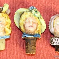 Botellas antiguas: LOTE DE 3 TAPONES. CERAMICA. POLICROMADA. ESMALTADA. EUROPA. SIGLO XIX.. Lote 74061303