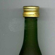Botellas antiguas: ANTIGUO BOTELLIN DE COGNAC CAMPUS NAPOLEON- LA GRANDE MARQUE - DE 3 CL - MIDE 103 MILIMETROS - Nº36. Lote 74217787