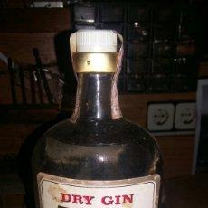 Botellas antiguas: BOTELLA GINEBRA ZUECO PTO 4 PESETAS. Lote 75060821