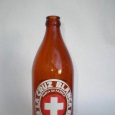 Botellas antiguas: BOTELLA CERVEZA *LA CRUZ BLANCA* 66 CL. -RARO TAMAÑO- SERIGRAFIADA, CERVEZAS DE SANTANDER S.A.. Lote 75822959