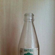 Botellas antiguas: BOTELLA SERIGRAFIADA BATIDOS LAUKI. Lote 77429025