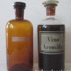 Botellas antiguas: DOS ANTIGUOS FRASCOS DE FARMACIA - VINO AROMATIC. Y AGUA DESTILADA. Lote 80576898