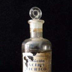 Botellas antiguas: ANTIGUA BOTELLA FRASCO DE SOLUCIÓN ÁCIDO PICRICO CON CONTENIDO. AÑOS 20. FARMACIA. RARA. Lote 80641950