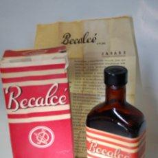 Botellas antiguas: FRASCO DE FARMACIA JARABE BECALDE DE LABORATORIOS ROMÁN // SIN DESPRECINTAR. Lote 81044372