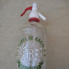 Botellas antiguas: SIFON - BOTELLA EN CRISTAL SERIGRAFIADO MARCA : EL LAUREL DE BACO - MADRID.. Lote 83280316