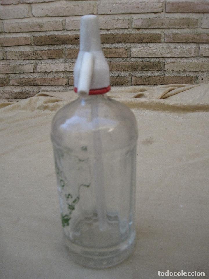 Botellas antiguas: SIFON - BOTELLA EN CRISTAL SERIGRAFIADO MARCA : EL LAUREL DE BACO - MADRID. - Foto 3 - 83280316