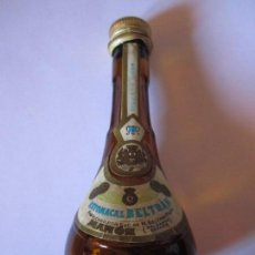 Botellas antiguas: PEQUEÑA BOTELLA ESTOMACAL BELTRAN MAHON BALEARES EXQUISITO LICOR SELLO IMPUESTO 1 PESETA. Lote 84349576