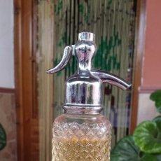 Botellas antiguas: ANTIGUA BOTELLA DE AVON, CON CONTENIDO. Lote 84532788