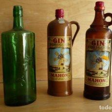 Botellas antiguas: LOTE DE 3 BOTELLAS DE GINEBRA VACÍAS.. Lote 95782215