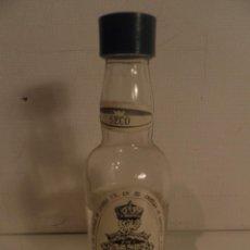 Botellas antiguas: BOTELLITA , BOTELLIN DE ANIS SECO CASTILLO DE CHINCHON. Lote 96558335