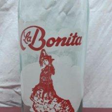 Botellas antiguas: BOTELLA GASEOSA 1 L LA BONITA.... Lote 97475007