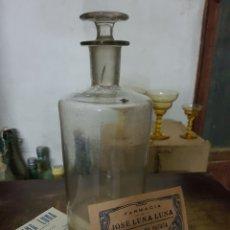 Botellas antiguas: ANTIGUA BOTELLA DE FARMACIA, PRINCIPIOS S.XX, + SOBRE+ FACTURA, BAÑERES, ALICANTE. Lote 97885047