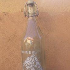 Botellas antiguas: BOTELLA DE GASEOSA ROCA. Lote 99343875