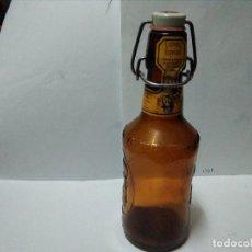 Botellas antiguas: BOTELLA CERVEZA FISCHER CON RELIEVE. Lote 100637803