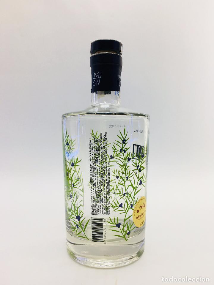 Botellas antiguas: BOTELLA VACIA DE GINEBRA LEVEL GIM 70 CL. - Foto 4 - 120001978