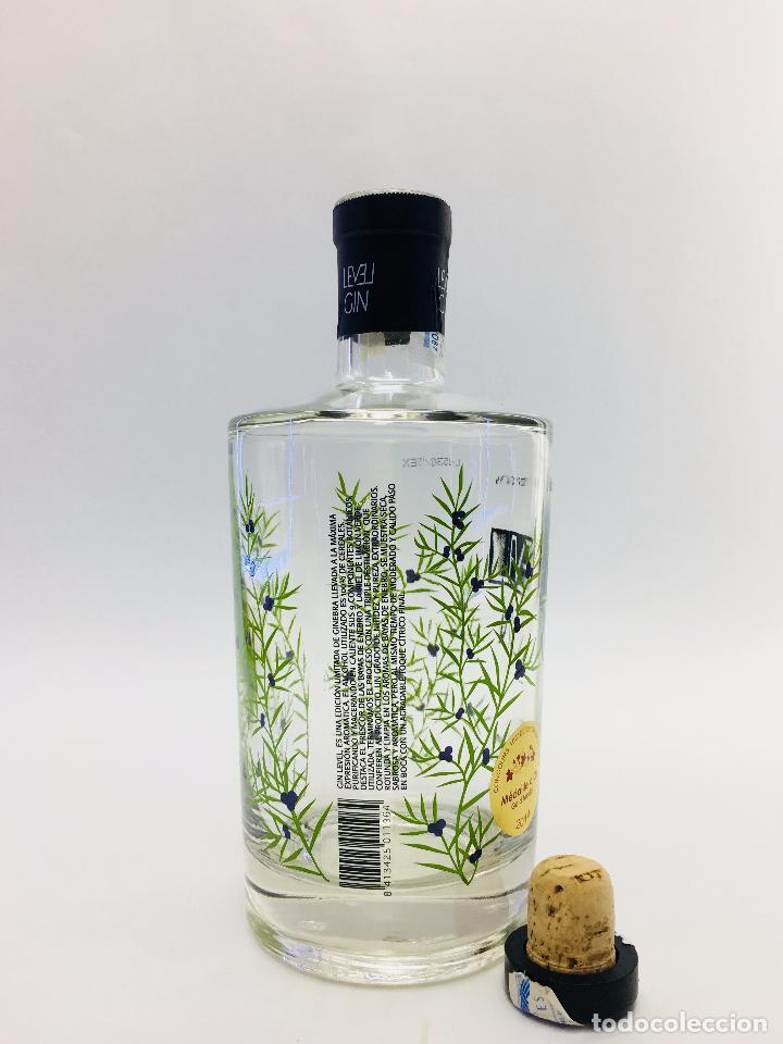 Botellas antiguas: BOTELLA VACIA DE GINEBRA LEVEL GIM 70 CL. - Foto 5 - 120001978