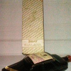 Botellas antiguas: BOTELLA VINO PROMOCION SEAT MALAGA. Lote 105024944