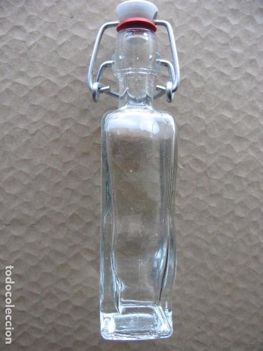 Botellas antiguas: BOTELLITA CRISTAL - Foto 2 - 105330475