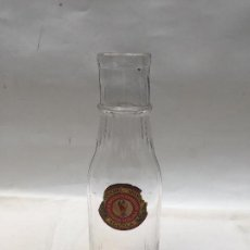Botellas antiguas: BOTELLA 1930, ACEITUNAS FRANCISCO ABASCAL , SEVILLA , . Lote 112259459