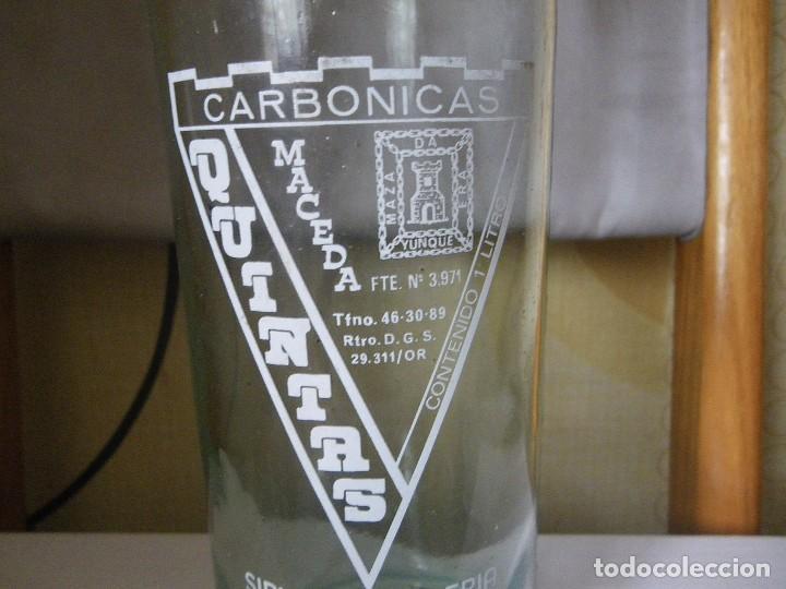 Botellas antiguas: BOTELLA DE GASEOSA QUINTAS MACEDA MUY RARA Y ESCASA UNICA EN TODOCOLECCION - Foto 2 - 113601439