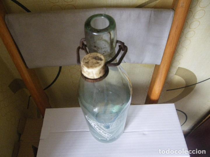 Botellas antiguas: BOTELLA DE GASEOSA QUINTAS MACEDA MUY RARA Y ESCASA UNICA EN TODOCOLECCION - Foto 3 - 113601439