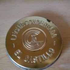 Botellas antiguas: **TAPA METÁLICA PARA BOTE DE LECHE, ---EL CASTILLO---(8 CM DIÁMETRO)**. Lote 113677851