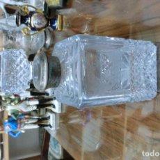 Botellas antiguas: BOTELLA DE CRISTAL CON BOCA DE PLATA . Lote 113718543