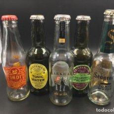 Botellas antiguas: COLECCIÓN DE 5 BOTELLAS DE TÓNICA. INDI, MARKHAM, SEAGRAM'S, FENTIMAN'S (VACÍAS). Lote 114113703