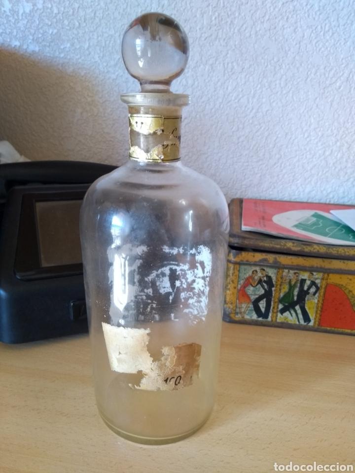 Botellas antiguas: **ANTIGUA BOTELLA DE PERFUME CON TAPON DE CRISTAL DE PERFUME PARA VENTA A GRANEL (19/7 CM)** - Foto 2 - 114448363