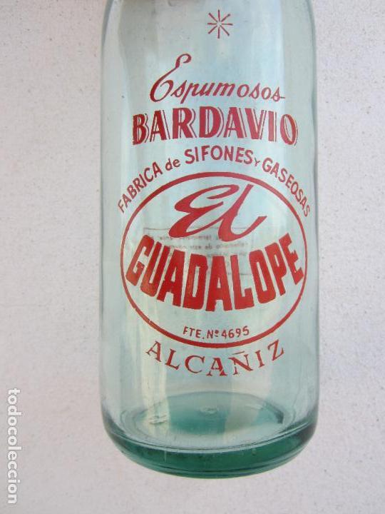 BOTELLA DE LITRO DE ESPUMOSOS BARDAVIO , GASEOSA EL GUADALOPE ALCAÑIZ 22-2-1958 (Coleccionismo - Botellas y Bebidas - Botellas Antiguas)