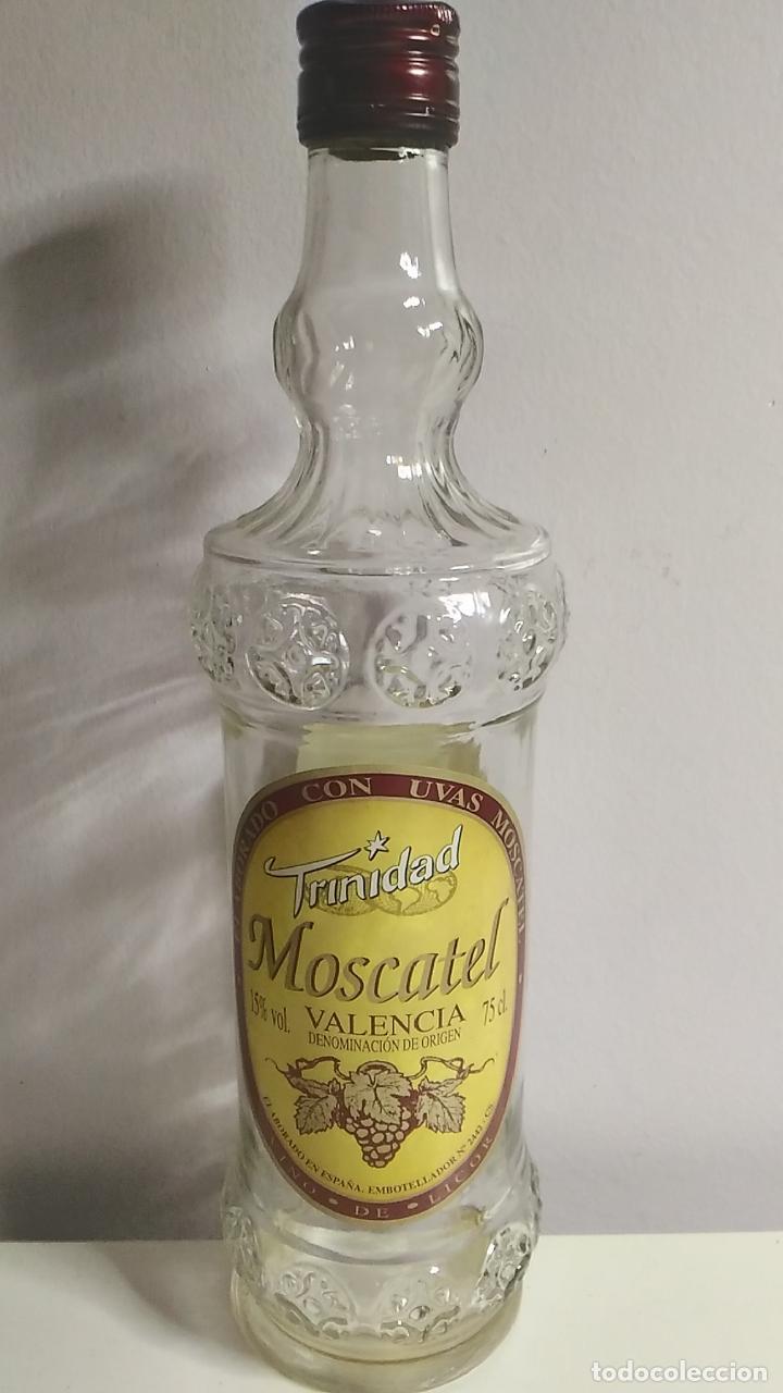 BOTELLA ANTIGUA DE MOSCATEL. TRINIDAD. VALENCIA. 75 CL (Coleccionismo - Botellas y Bebidas - Botellas Antiguas)