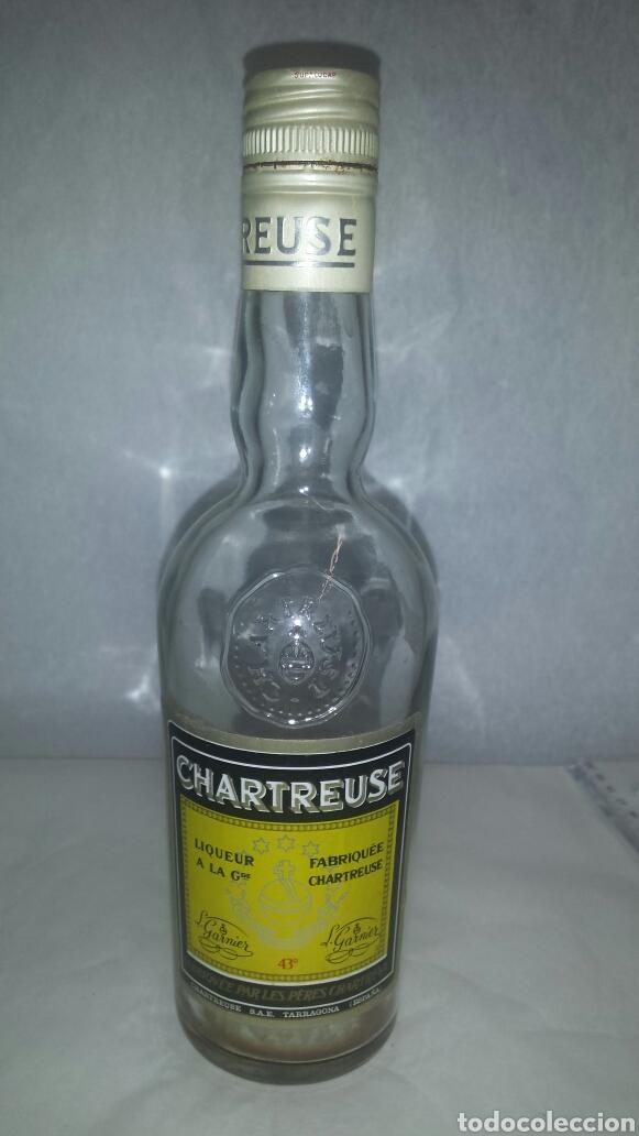 BOTELLA VACIA, CHARTREUSE AMARILLA 43 ° 24 CM (Coleccionismo - Botellas y Bebidas - Botellas Antiguas)