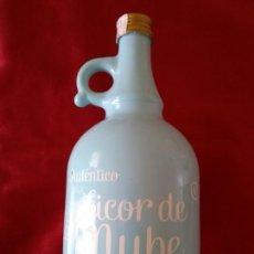 Botellas antiguas: **BONITA BOTELLA DE,---LICOR DE NUBE (24/11CM) ÚNICA EN TODOCOLECCION**. Lote 122674214