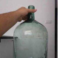 Botellas antiguas: ANTIGUA BOTELLA GARRAFA DAMAJUANA MEDIANA 8 O 10 LITROS CRISTAL VIRESA. Lote 124468467