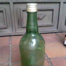 Botellas antiguas: BOTELLA DE BRANDY DE CUATRO LITROS CRISTAL VERDE. Lote 127687867