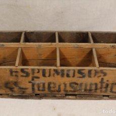 Botellas antiguas: CAJA BOTELLAS DE SIFÓN ESPUMOSOS LA FUENSANTICA - MURCIA - . Lote 127803435