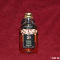 Botellas antiguas: SOBERANO, 5CL.. Lote 127885775