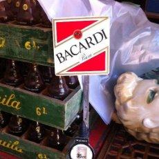 Botellas antiguas: DISPENSADOR BOTELLA RON BACARDI DE ANTIGUO PUB. AÑOS 60-70S. Lote 129154471