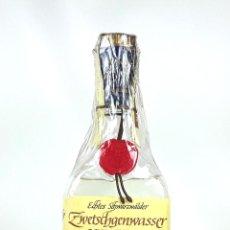 Botellas antiguas: BOTELLA AGUARDIENTE DE CIRUELAS. ZWETSCHGENWASSER. SCHLADERER. ALEMANIA. 1980.. Lote 129408851