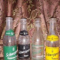 Botellas antiguas: LOTE 4 BOTELLAS DE SCHWEPPES 20 CL,ETIQUETAS SERIGRAFIADAS. Lote 130064499