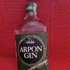 Botellas antiguas: GINEBRA ARPON GIN LLENA SIN ABRIR. Lote 133171874