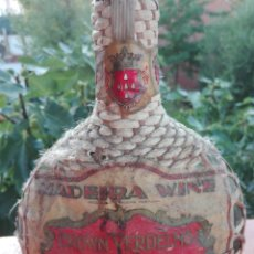 Botellas antiguas: BOTELLA VINO DE MADEIRA AÑOS 80'. Lote 134031830