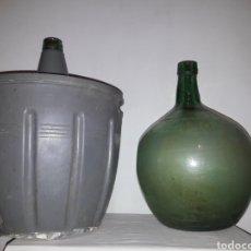 Botellas antiguas: DAMAJUANAS. Lote 134054135