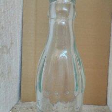 Botellas antiguas: BOTELLA CUBACOL REFRESCO. Lote 134886663